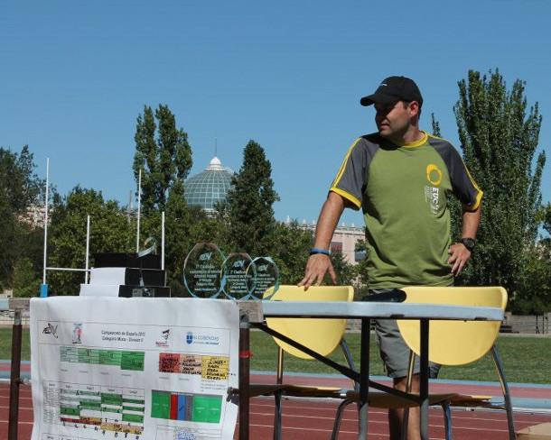 Jose Antonio De los Rios organising La Abuela, the annual tournament in Madrid hosted by the Quijotes + Dulcineas